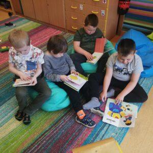 Biblioteka z wizytą u przedszkolaków